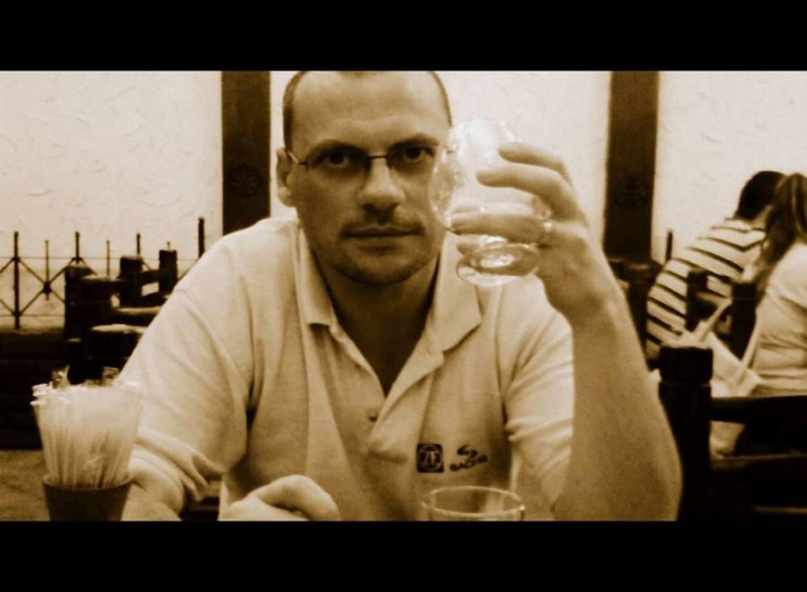 Degustand coniac aremensc la restaurantul Caucasus