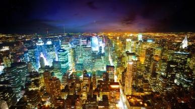 Sursa foto: http://wallpapere.wallpaperstock.net/orasul-luminilor-wallpapers_w22604.html