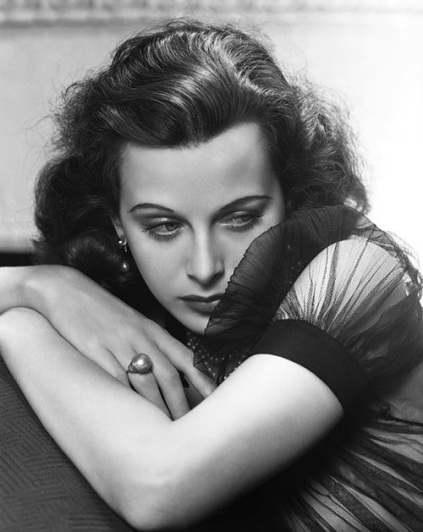 Hedy-Lamarr-photo-by-George-Hurrell